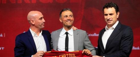 Luis Enrique open to future Barcelona return