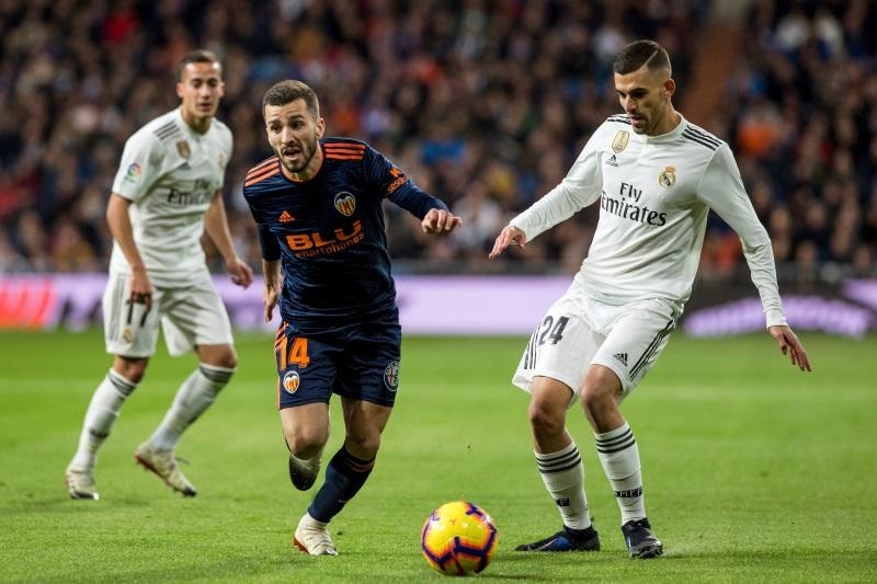 Barcelona keen on Valencia defender Gaya