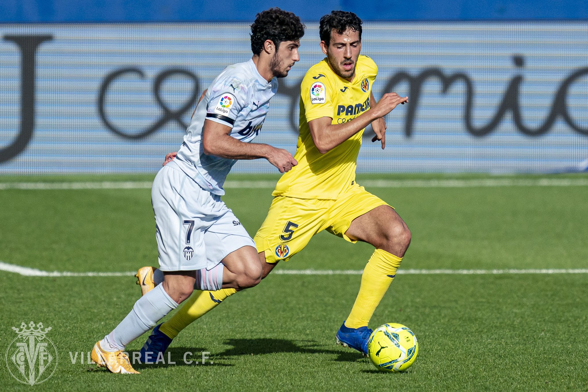 Villarreal star Dani Parejo set for a month long injury lay off - Football  Espana
