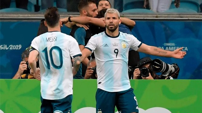 """Sergio Aguero on Lionel Messi relationship: """"He always complains, we are like an old married couple"""""""