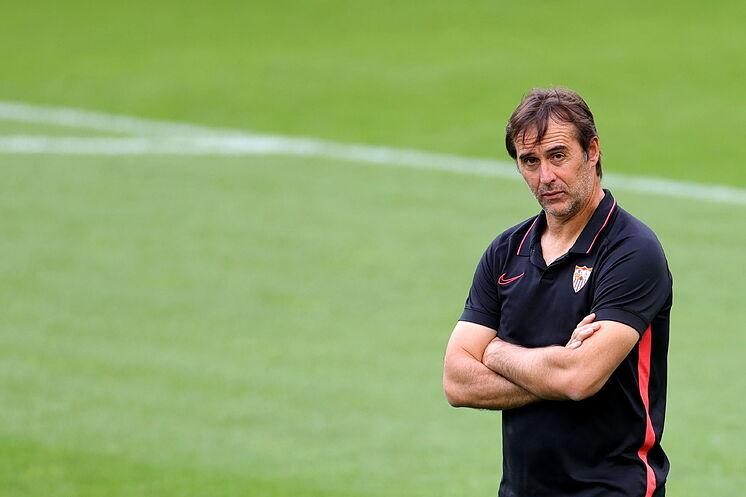 Spanish football nights headlines: Sevilla lose to Elche, Valladolid beat Getafe and Zidane review Madrid derby