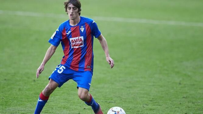 The Spanish player that Barcelona president loves and wants to sign