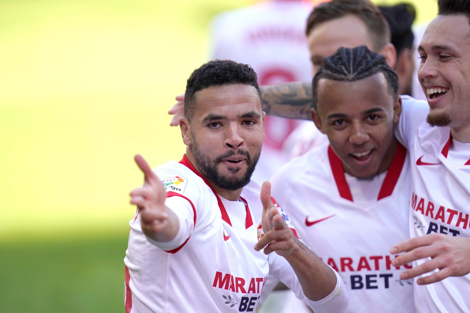 Spanish football evening headlines: Storm En-Nesyri blows through Seville, Critical situation in Pamplona and James saves Everton