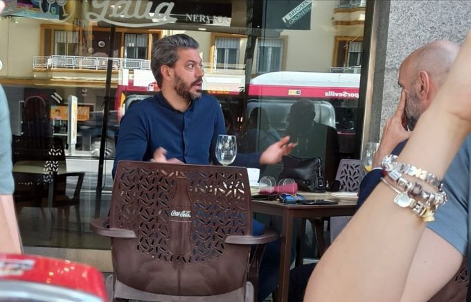 Sergio Ramos' agent photographed having lunch with Sevilla sporting  director Monchi in the Andalusian capital - Football Espana
