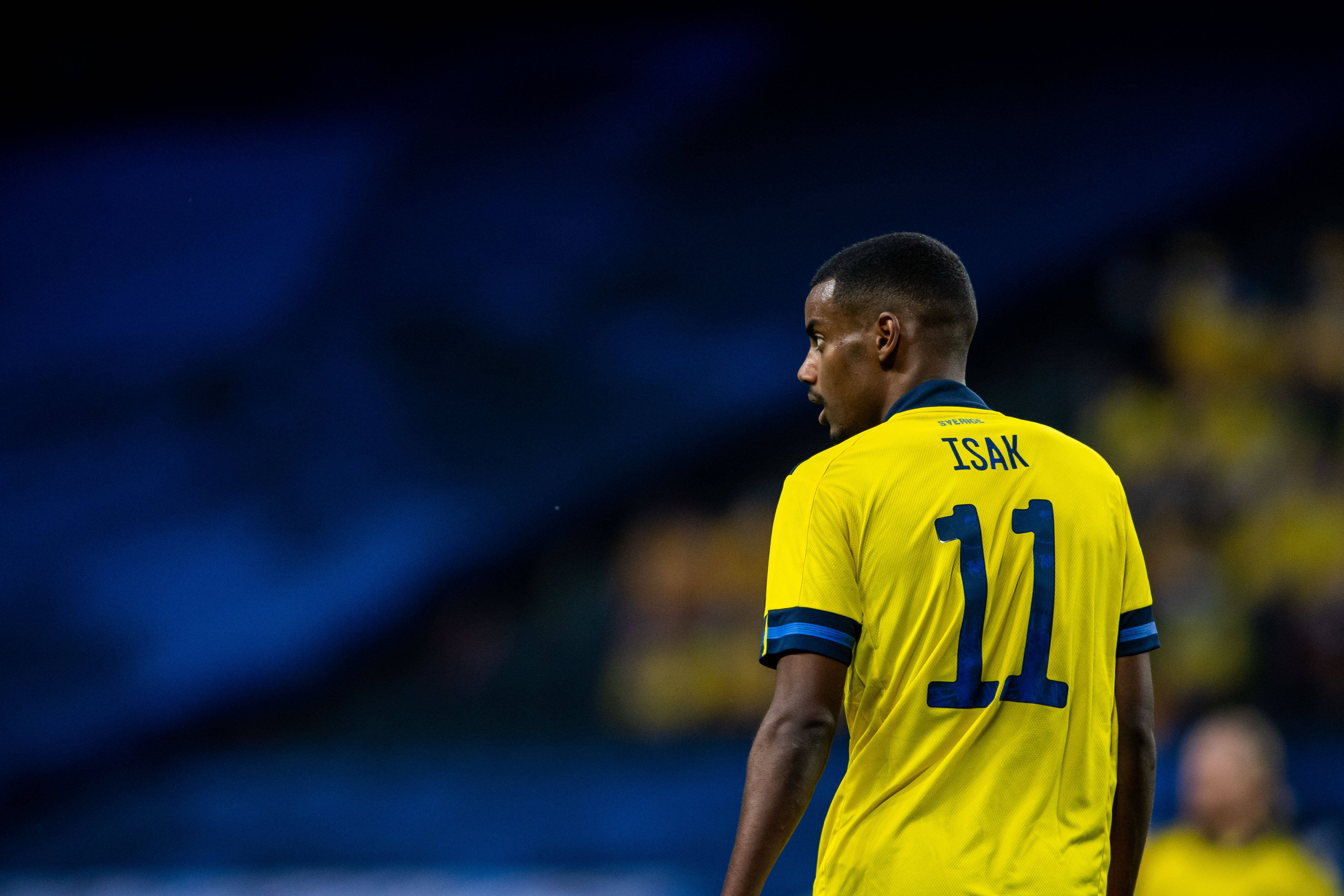 Real Sociedad in negotiations to buy back Borussia Dortmund's buy-back clause in Alexander Isak's contract