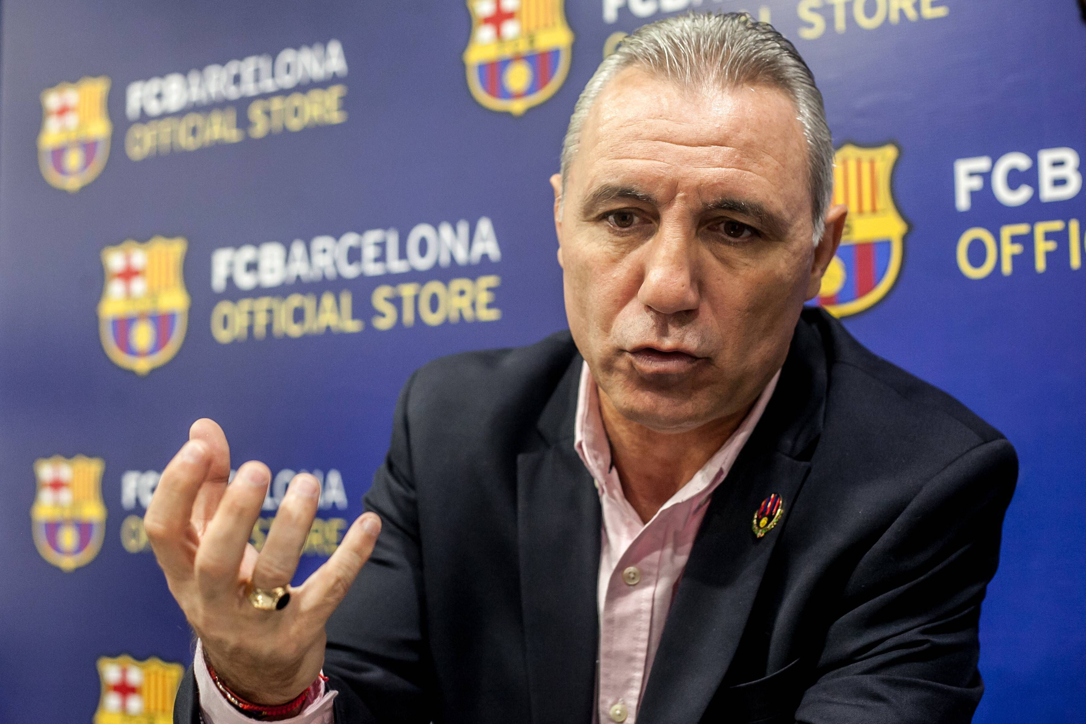 Barcelona legend calls out Joan Laporta for lying to Lionel Messi