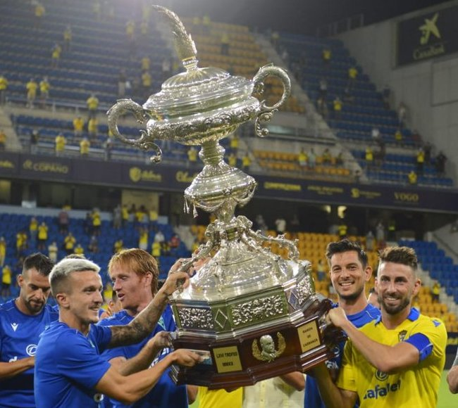 Cadiz beat Atletico Madrid to lift the Ramon de Carranza Trophy