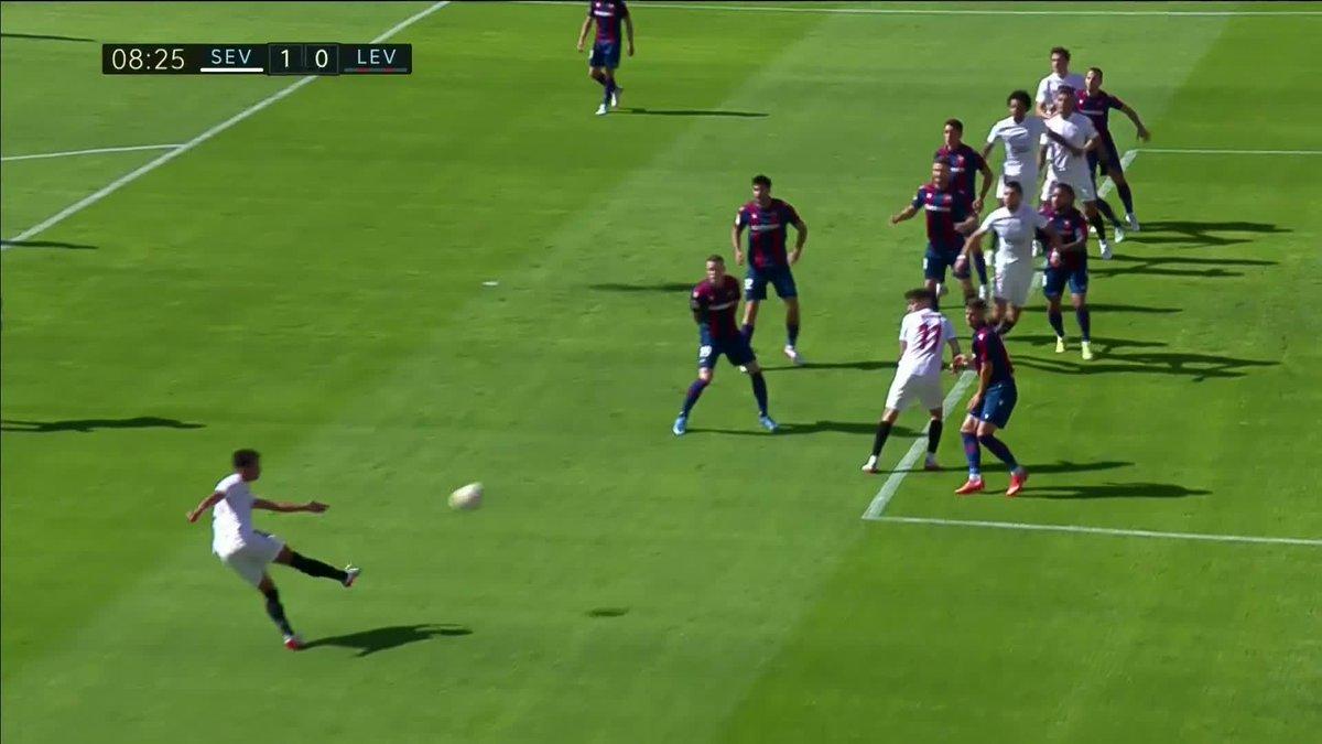 Watch: Oliver Torres scores golazo against Levante to send Sevilla top of La Liga