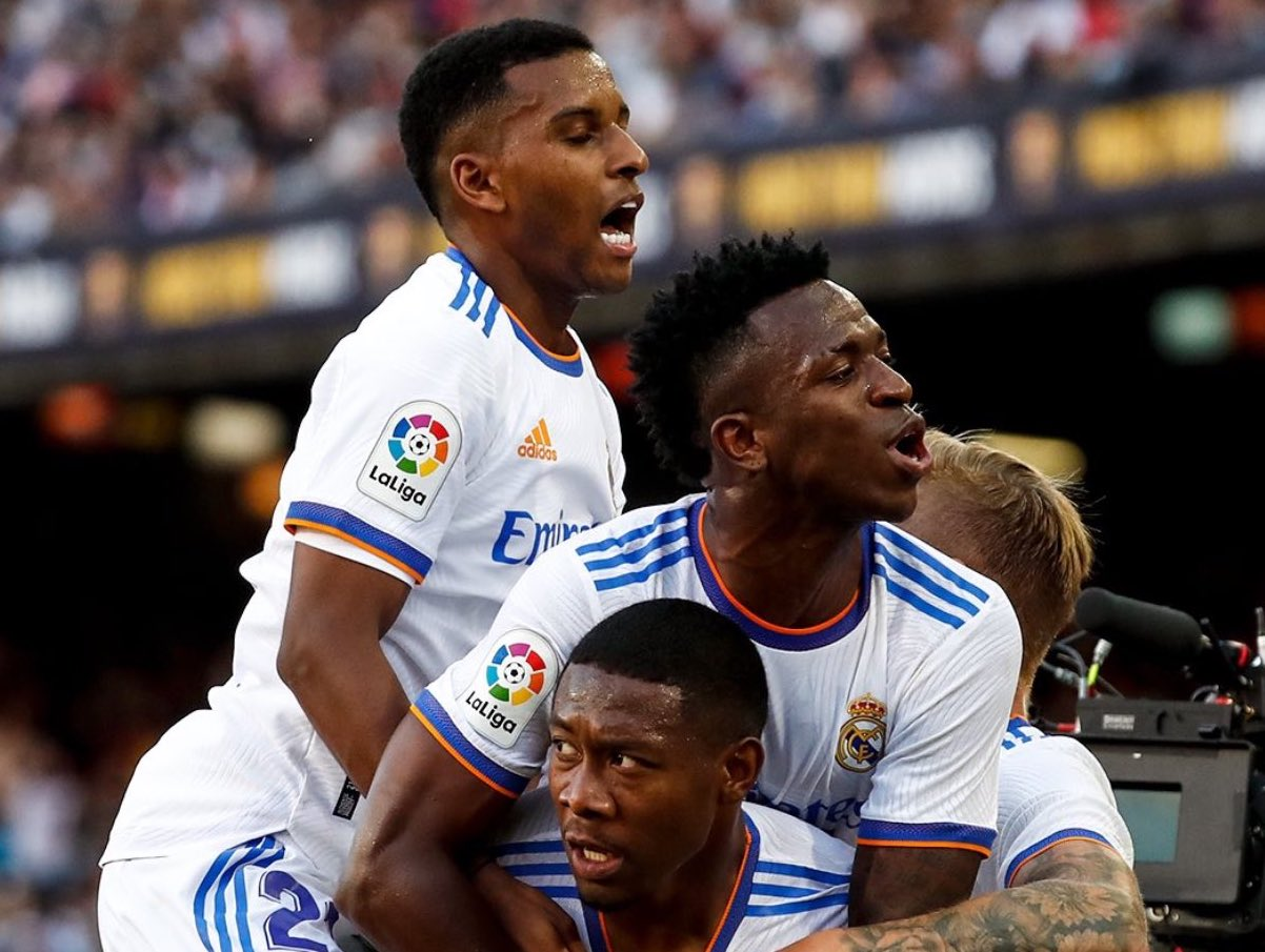 Real Madrid beat Barcelona 2-1 at Camp Nou in El Clasico